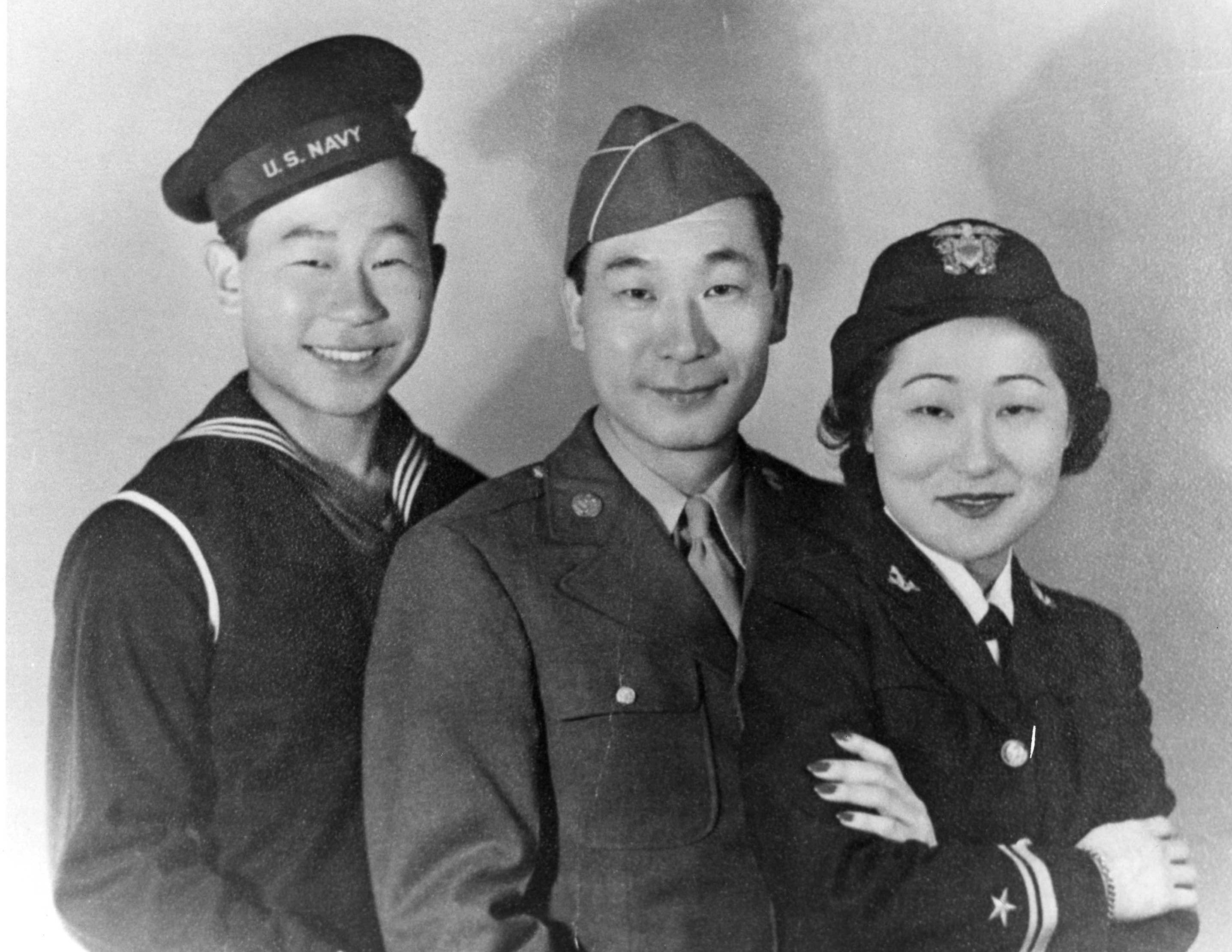 미군에 입대한 도산의 자녀들 왼쪽 공군 Ralph Ahn, 육군 안필립, 해군 안수산